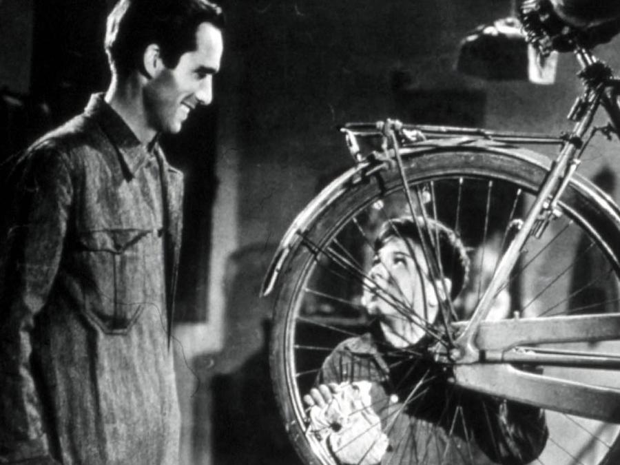 Resultado de imagen para ladron de bicicletas fotogramas